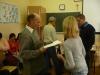 Wręczenie certyfikatów, uczestnik kursu otrzymuje Certyfikat